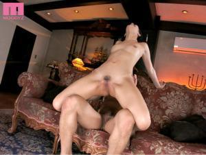 理性の吹き飛んだ湊莉久と中出し性交するAV動画の画像