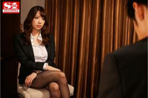 Jカップ美人上司の安齋ららのAV動画の画像