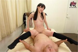 女優姫川ゆうなの方から襲いかかる生中出しSEXのAV動画の騎乗位画像