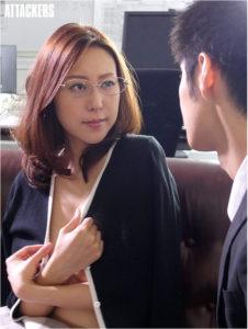 人妻OLの松下紗栄子のAV動画の画像