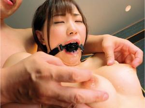 美谷朱里のキスAVの動画の画像
