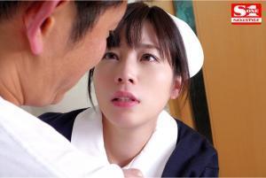 ナースを演じる奥田咲のAV動画の画像