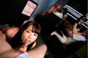 宮沢ちはる、西野たえ、佐知子、御坂りあ、新村あかり、葉月レイラのピンサロVR動画の画像