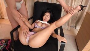 MGS素人動画の水川スミレのAV動画の手マン画像