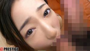 プレスレージ専属松岡すずのデビュー作のAV動画のフェラチオ画像