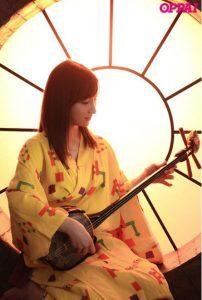 沖縄出身の楪カレンのデビューエロAV動画の無料サンプル画像